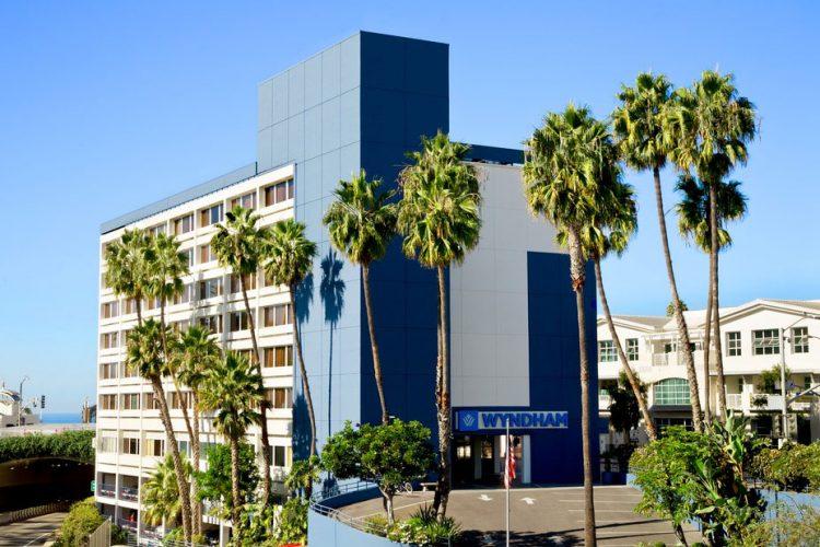 Wyndham Santa Monica at the Pier {Perfect Destination & Location}