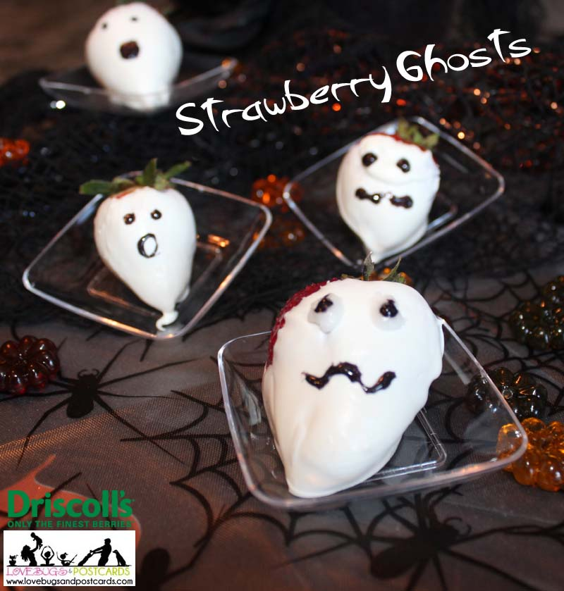 Halloween Chocolate Covered Strawberry Ghosts