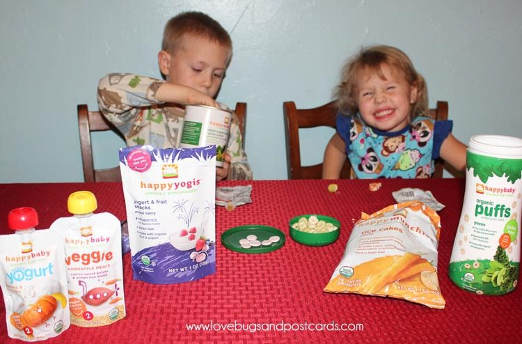 Healthy Organic Snacks for toddlers are great during the Holiday Season #TistheSqueezin