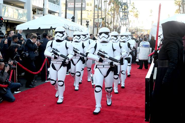 STAR WARS: THE FORCE AWAKENS - World Premiere Photos #StarWars #TheForceAwakens