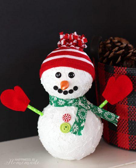 Snowman decoration - 25+ Winter Crafts for kids