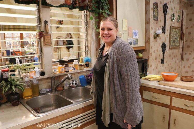 Roseanne Interviews with Michael, Sara, and Lecy + an awesome set visit
