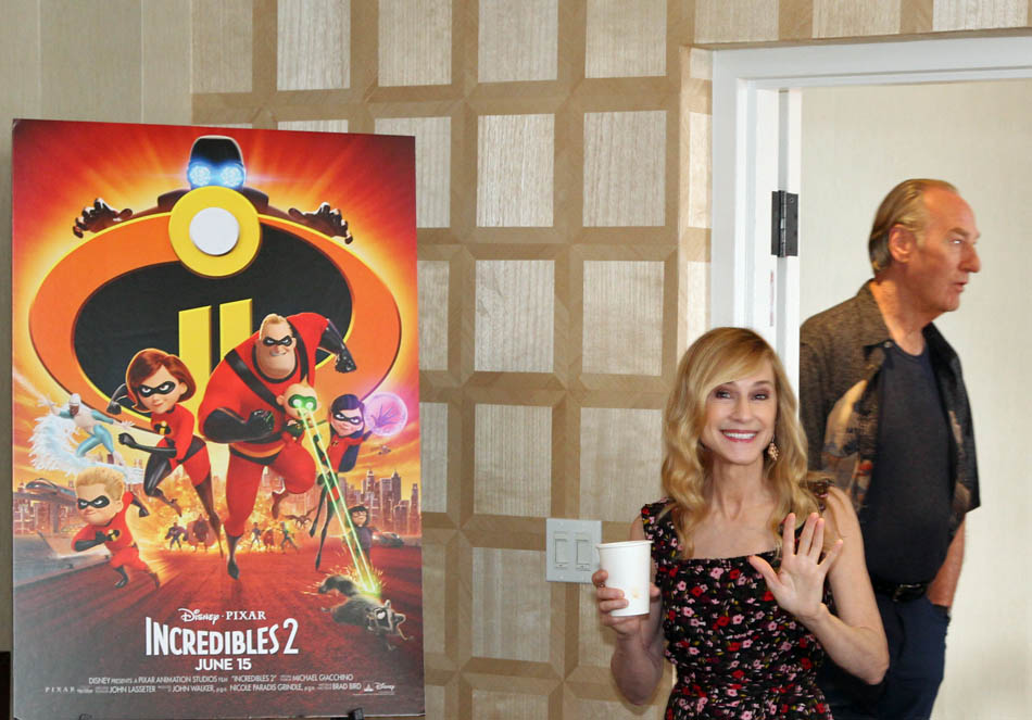"Incredibles 2 Interview with Craig T. Nelson ""Mr. Incredible"" and Holly Hunter ""Elastigirl"""