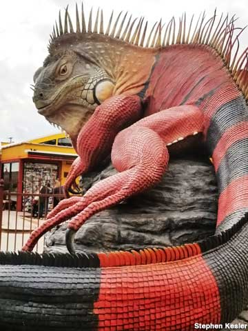 33-foot-long Iguana sculpture