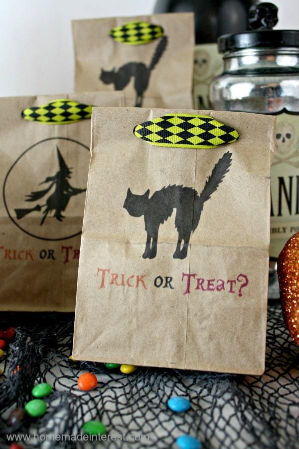 Halloween Treat Bags - Halloween Crafts