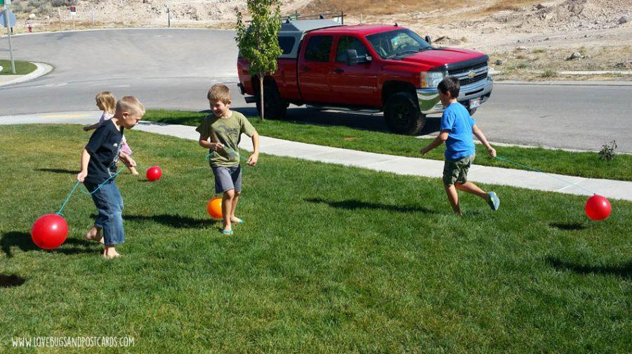 Dinosaur Balloon Stomp (Tag) Game