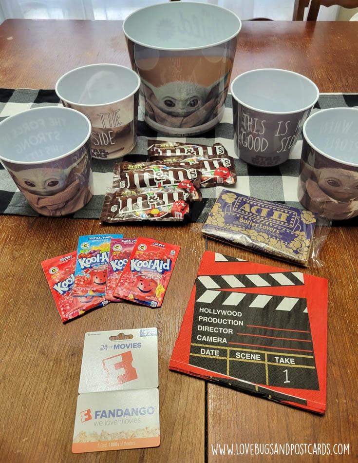 Family movie night with Zak's The Child popcorn bowl set